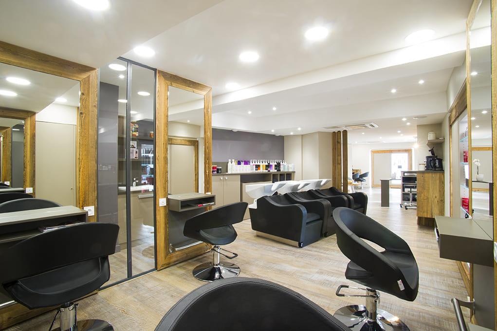 Nouvel agencement d'un salon de coiffure près de Lyon04