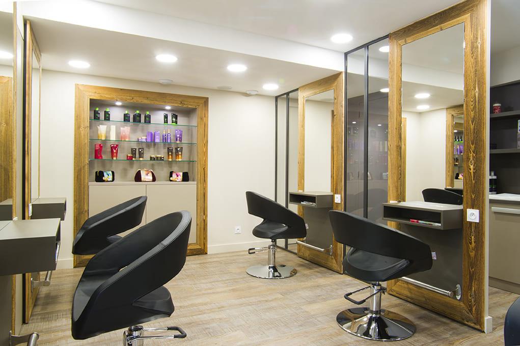 Nouvel agencement d'un salon de coiffure près de Lyon06