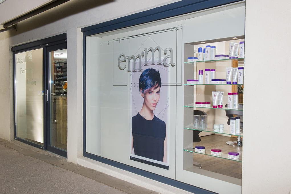 Nouvel agencement d'un salon de coiffure près de Lyon07