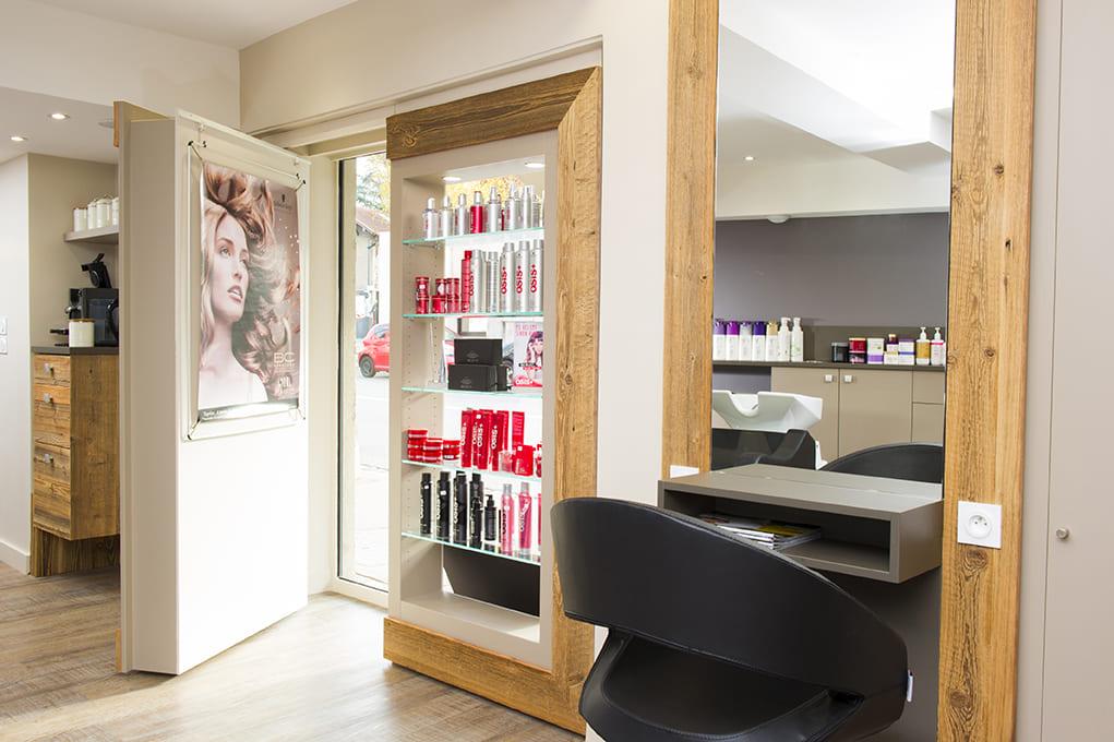 Nouvel agencement d'un salon de coiffure près de Lyon09