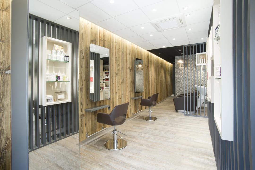 Rénovation d'un salle de coiffure dans les Monts du Lyonnais01