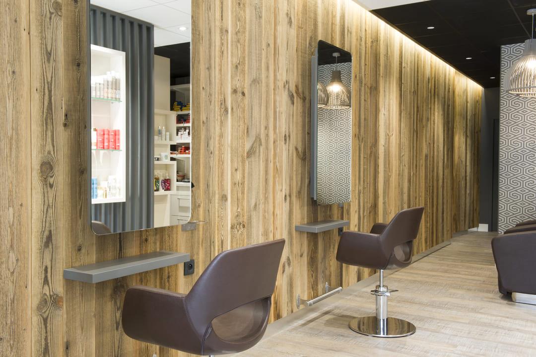 Rénovation d'un salle de coiffure dans les Monts du Lyonnais02