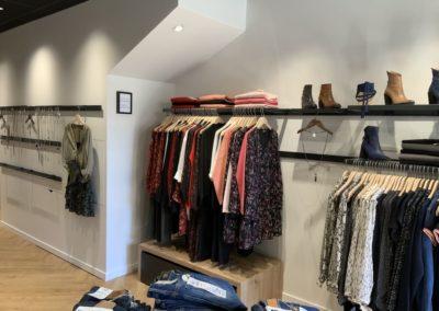 Agencement boutique prêt à porter St Martin en Haut12