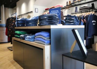 Agencement boutique prêt à porter St Martin en Haut14