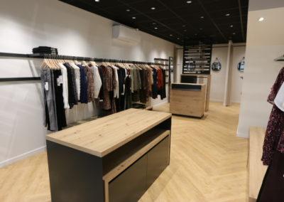 Agencement boutique prêt à porter St Martin en Haut2