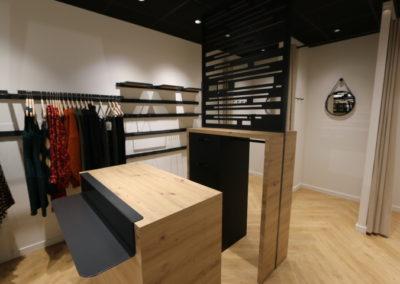 Agencement boutique prêt à porter St Martin en Haut4