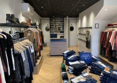 Agencement boutique prêt à porter St Martin en Haut7