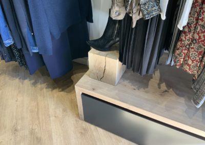 Agencement boutique prêt à porter St Martin en Haut9
